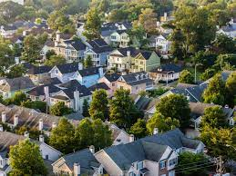 How to use the suitable real estate investment strategies on time?